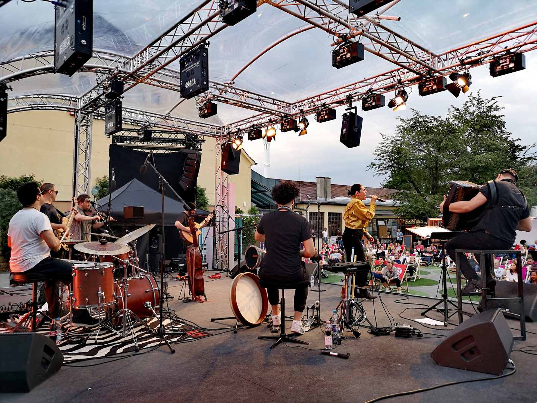 Musik LAKVAR ForumdK Stgt p20-20-col Aktuell +nun9Fotos