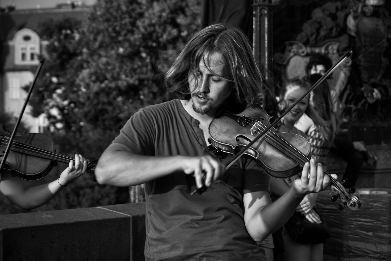 Musique sur le pont Charles à Prague