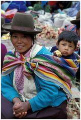 Mutter mit Kind in Pisaq