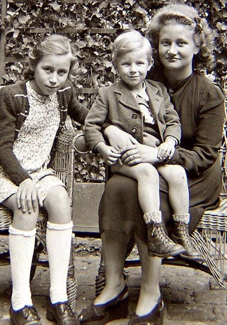 mutter mit onkel und tante