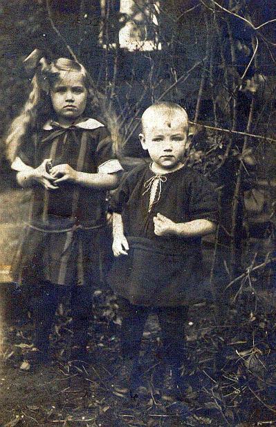 Mutter Sibilla und ihr Bruder Werner im Jahre 1926
