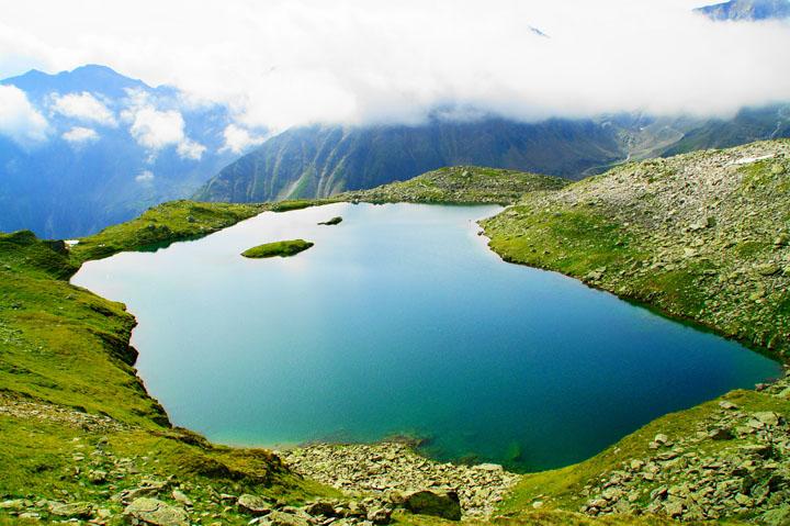 Mutterbergersee einer der schönsten Bergseen im Stubaital