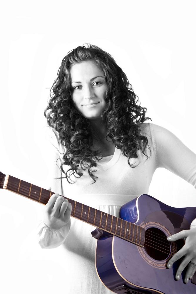 my guitar lies bleeding in my arms