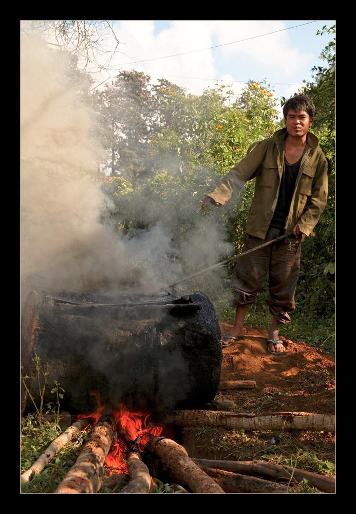 Myanmar street workers 3