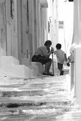 Mykonos     -  Oma und Enkel