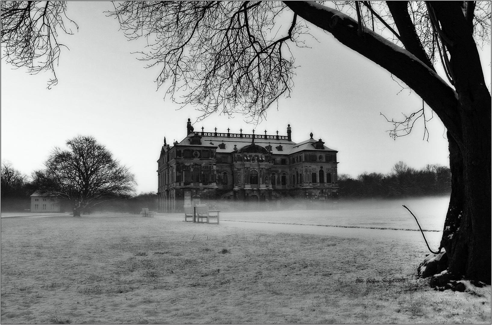 * Mystic Palais *