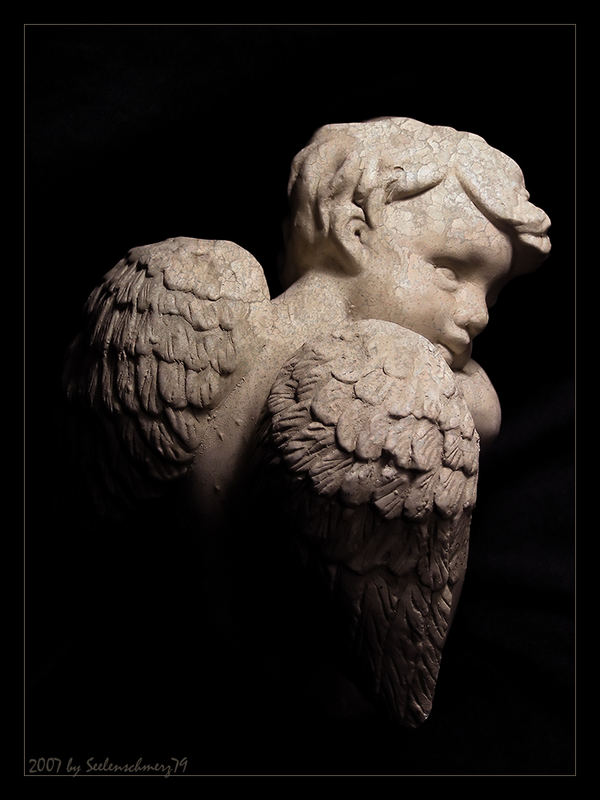 Nachdenklicher Engel