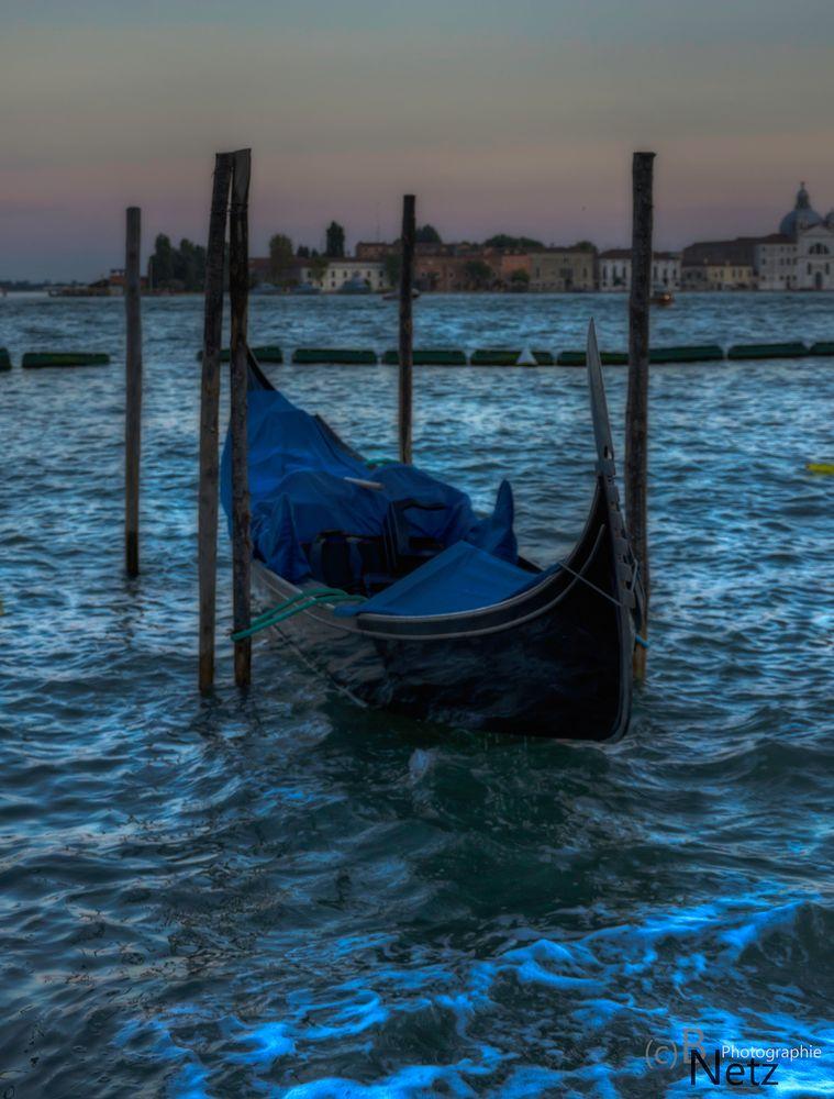 """Nacht in Venedig...!"""