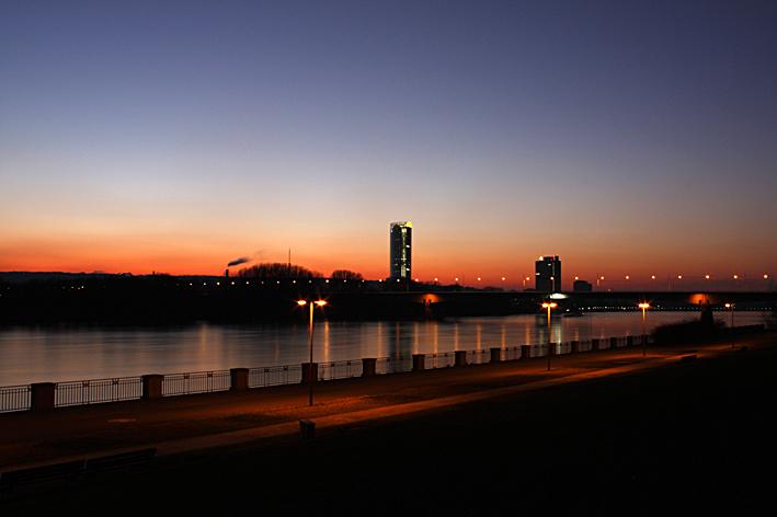 Nachtaufnahme Bonner Rheinufer