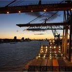 Nachtlichter....im Hamburger Hafen