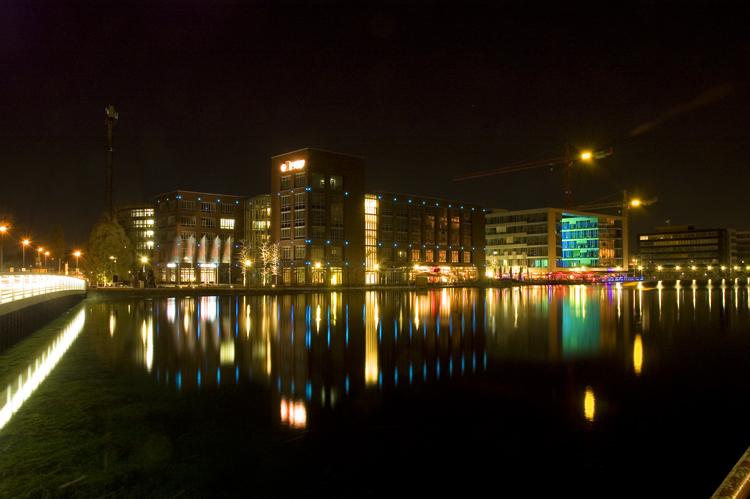 Nachts am Innenhafen Duisburg
