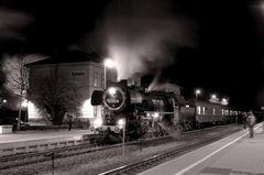 Nachts im Bahnhof Schladen (Niedersachsen)