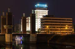 ... nachts im Duisburger Hafen