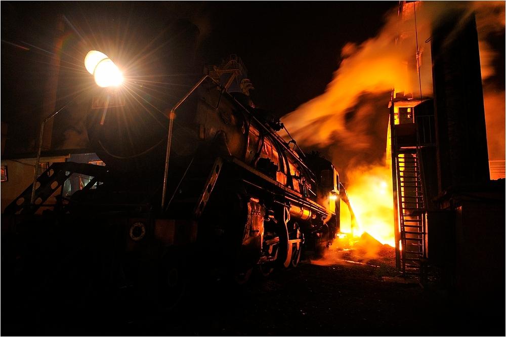 Nachts im Stahlwerk III