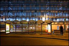 Nachts werden am Busbahnhof die Wartezeiten länger......