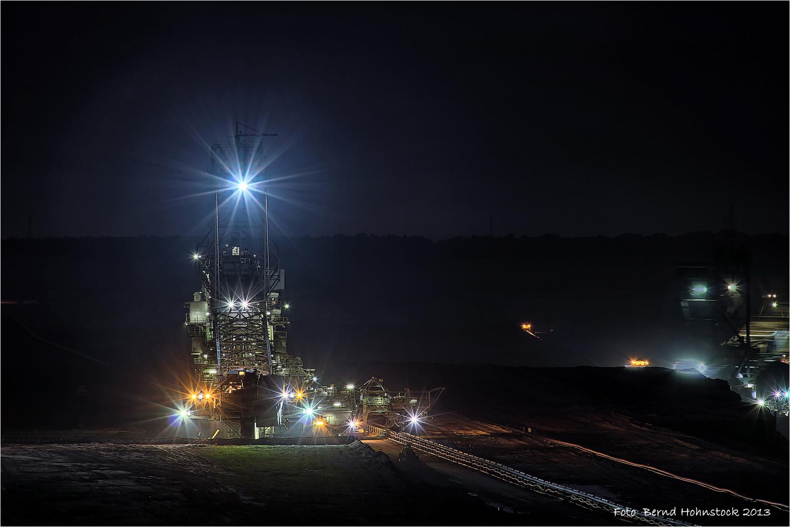 Nachtschicht im Tagebau Garzweiler .....