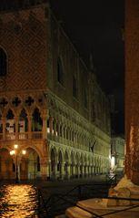 Nachtstück: Piazzetta und Palazzo Ducale
