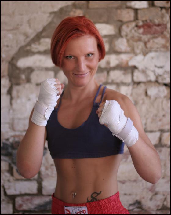 nadine.kickboxerin.I