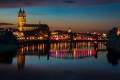 Nächtlicher Blick von der Magdeburger Sternbrücke