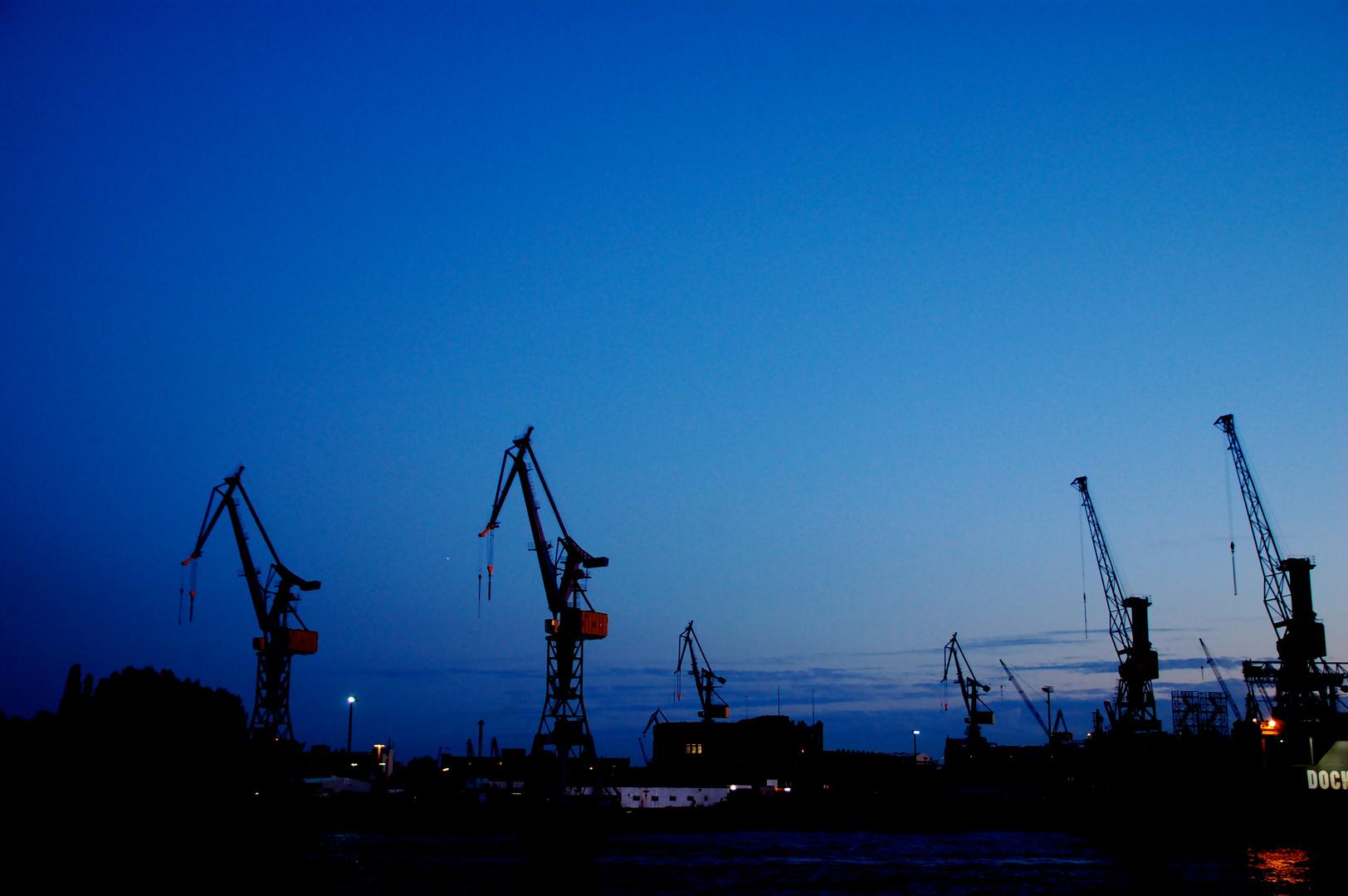 Nächtlicher Hafen
