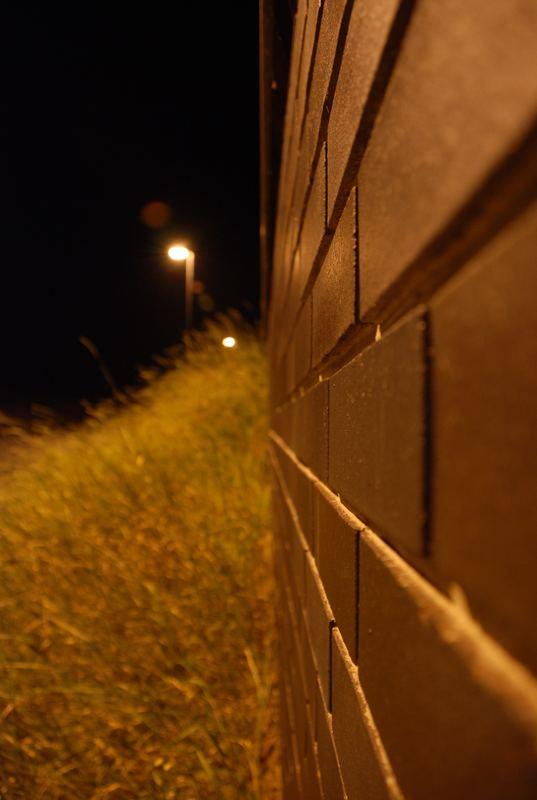nächtlicher Mauerblick