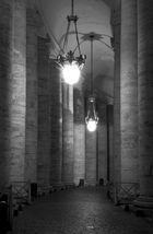 Nächtlicher Säulengang