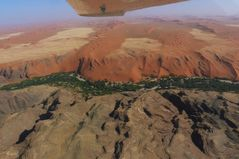 Namibia - Flug über den Namib Naukluft-Park / Übergang Diamant Area - Naukluftberge