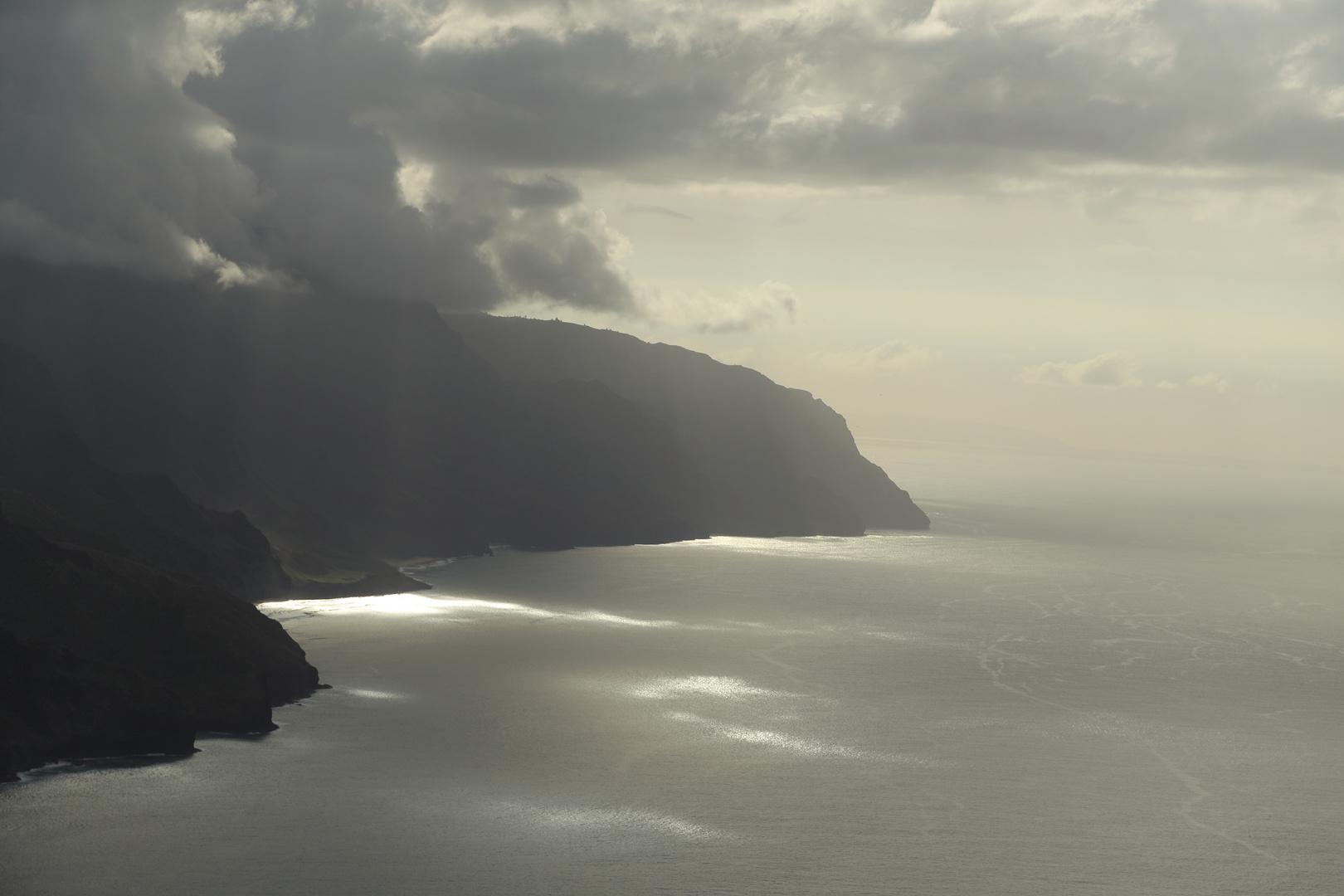 Napali Coast im Gegenlicht