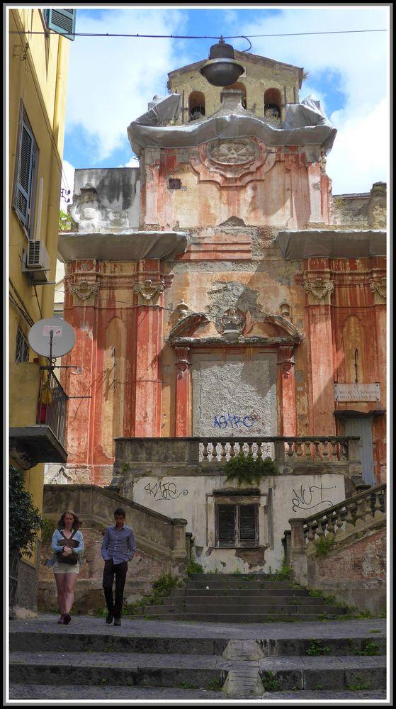 Napoli c 39 era una volta una chiesa foto immagini for Cassettone d una volta
