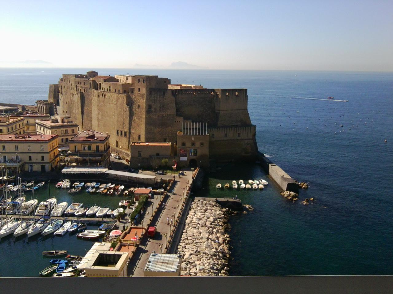 Napoli città aperta al mare ..............