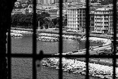 Napoli in gabbia