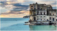 Napoli - Palazzo Donn'Anna e i suoi fantasmi