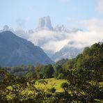Naranjo de Bulnes desde el mirador , parque nacional de los Picos de Europa