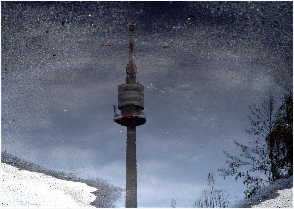 ... nasser Donauturm ...