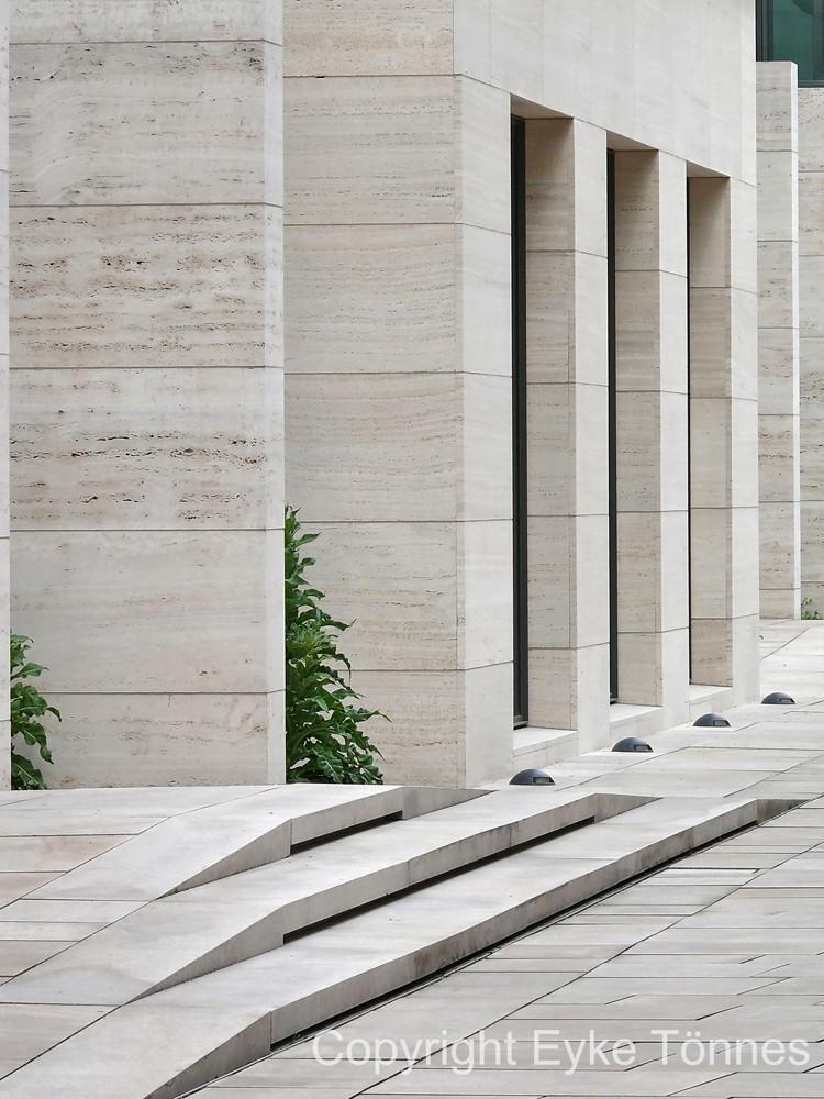 Natur erobert Architektur