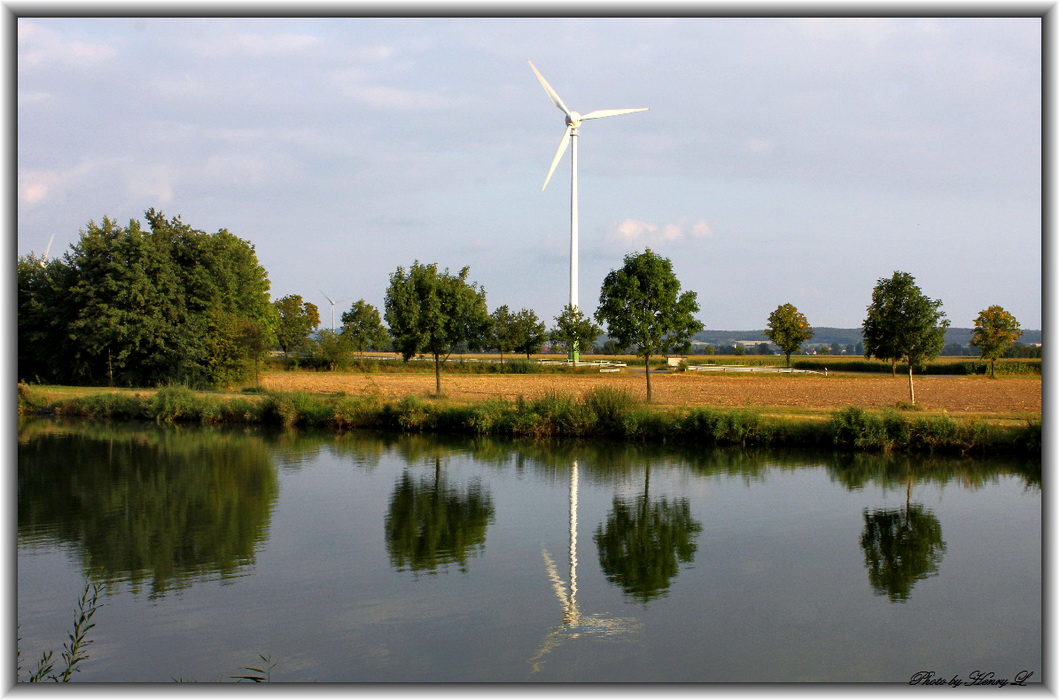 Natur und Windkraft.