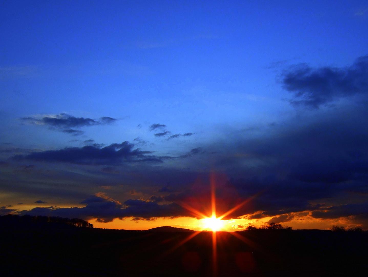 -Naturschauspiel-Sonnenuntergang-