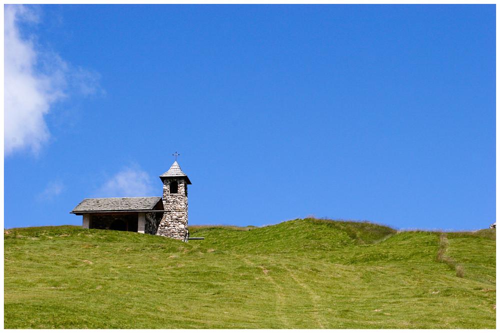 natursteinkapelle auf 2480 m