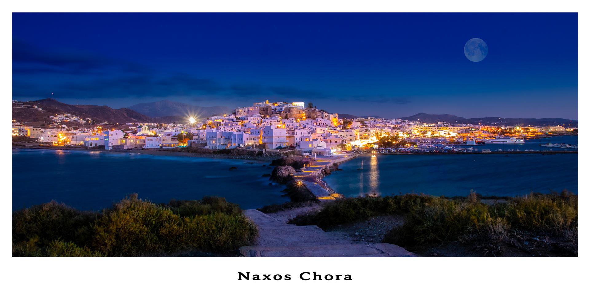 Naxos Stadt zur blauen Stunde