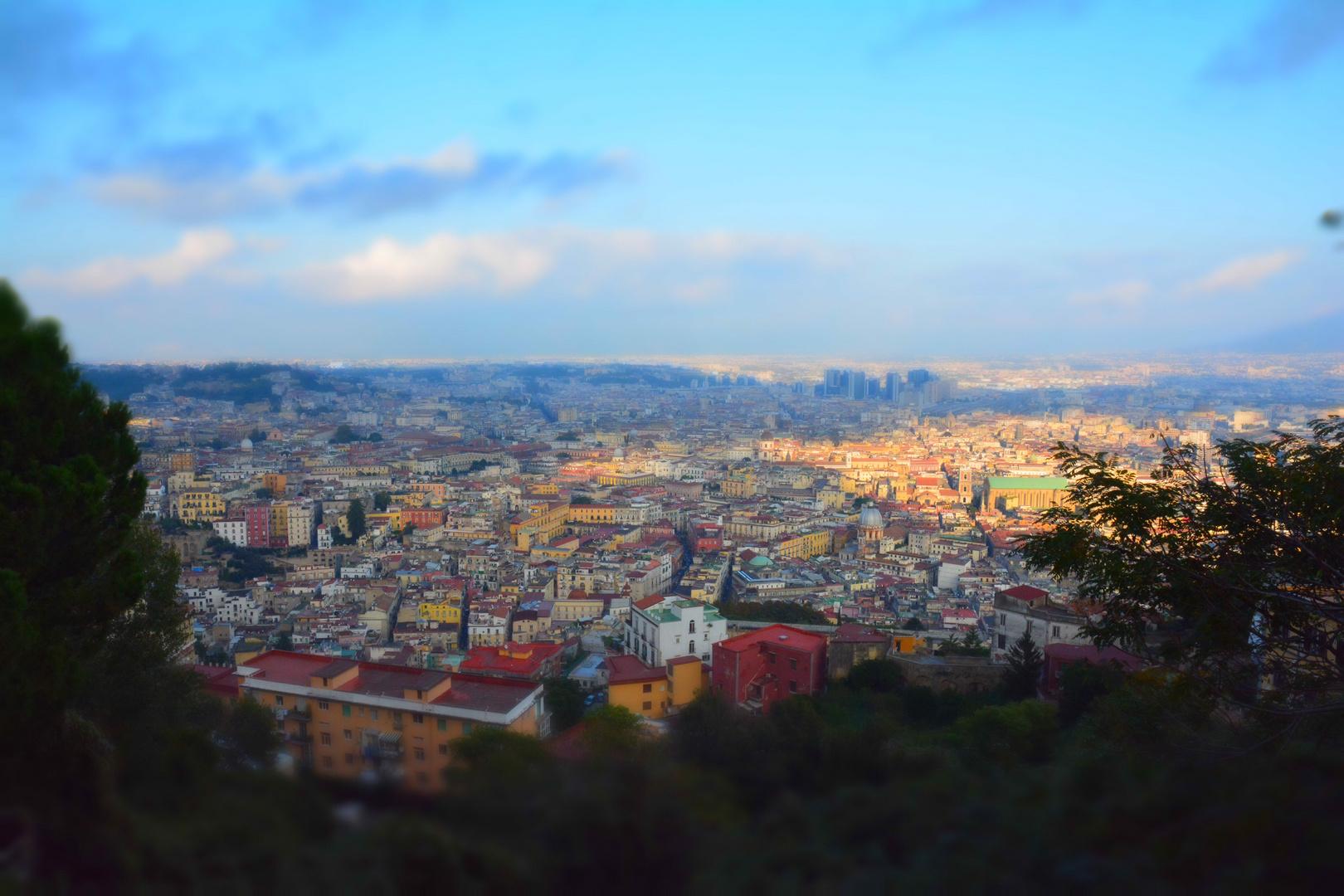 Neapel im November bei herrlichem Wetter in Abendstimmung