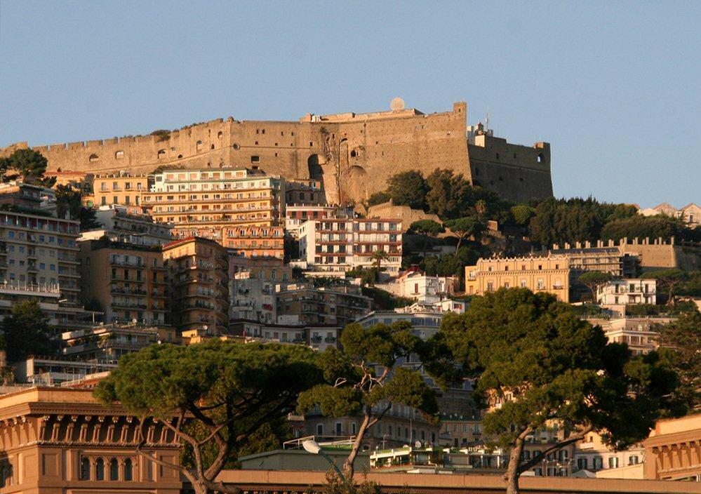 Neapel mit Kastell