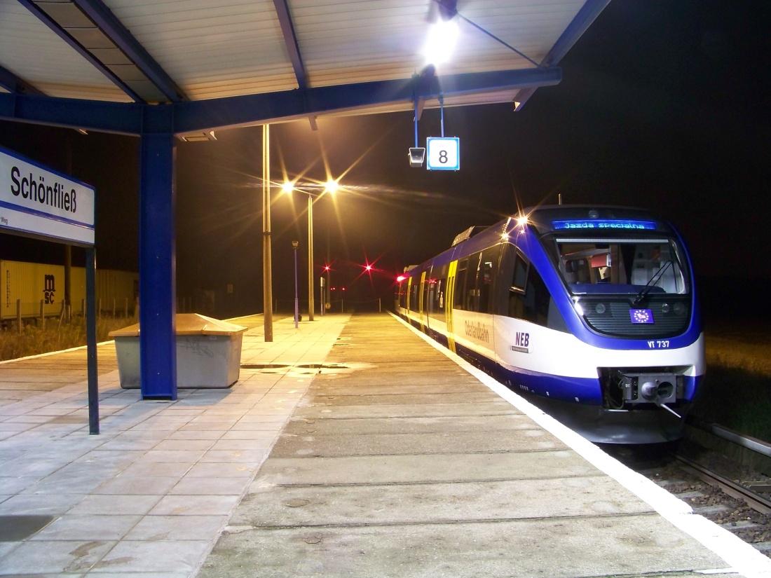 NEB am S-Bahnhof Schönfließ