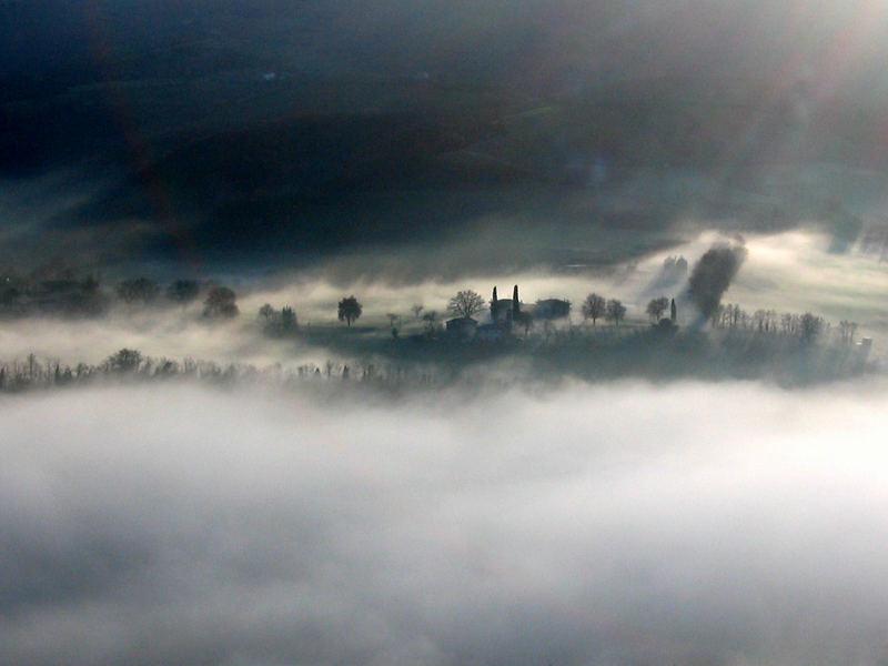 Nebbia sul Reno vista da Vaierana (BO)