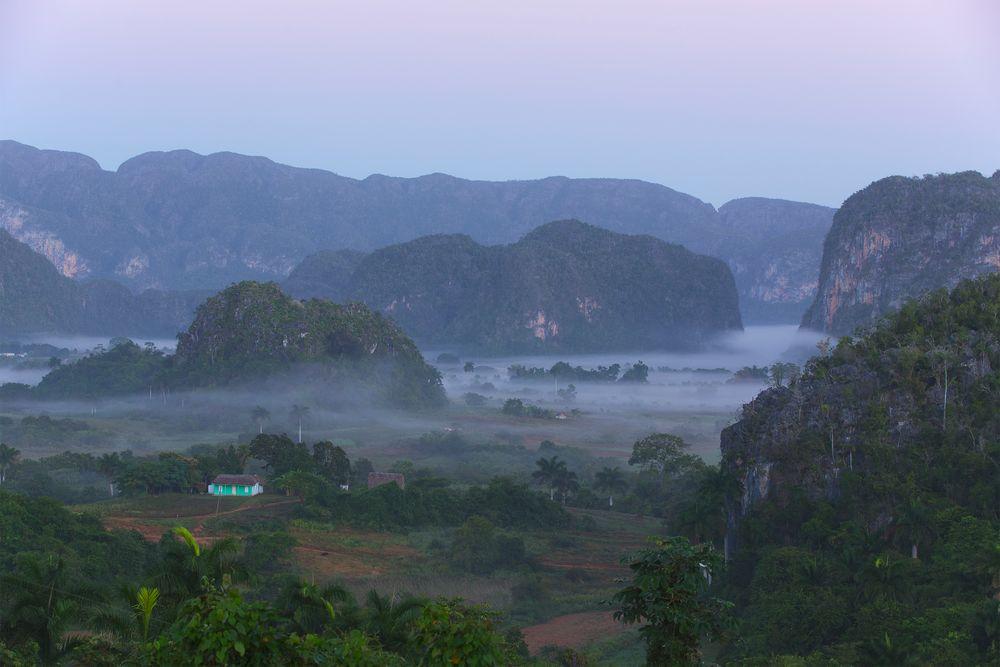 Nebel im Tal der Mogotes (Vinales)