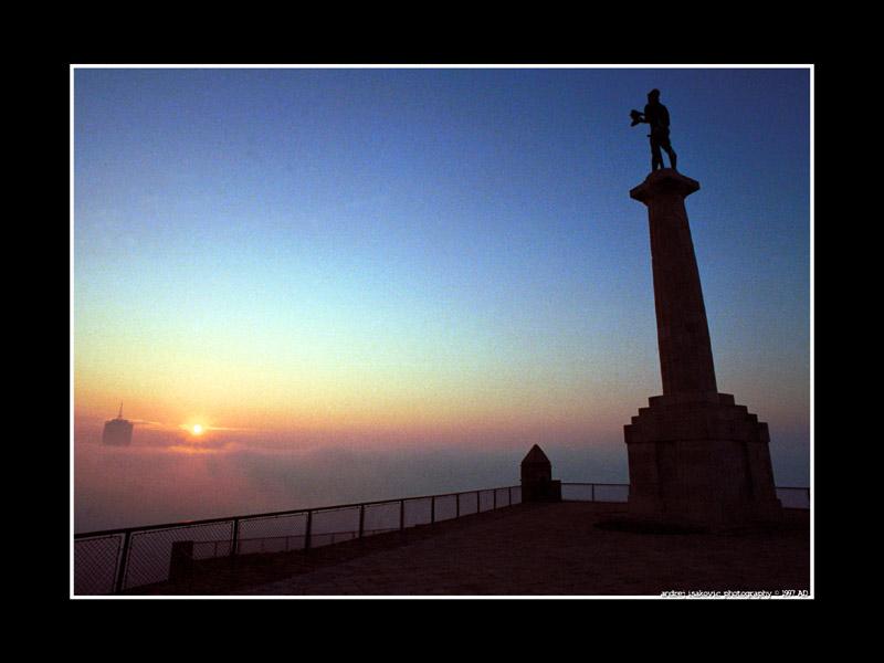 Nebel über Belgrad