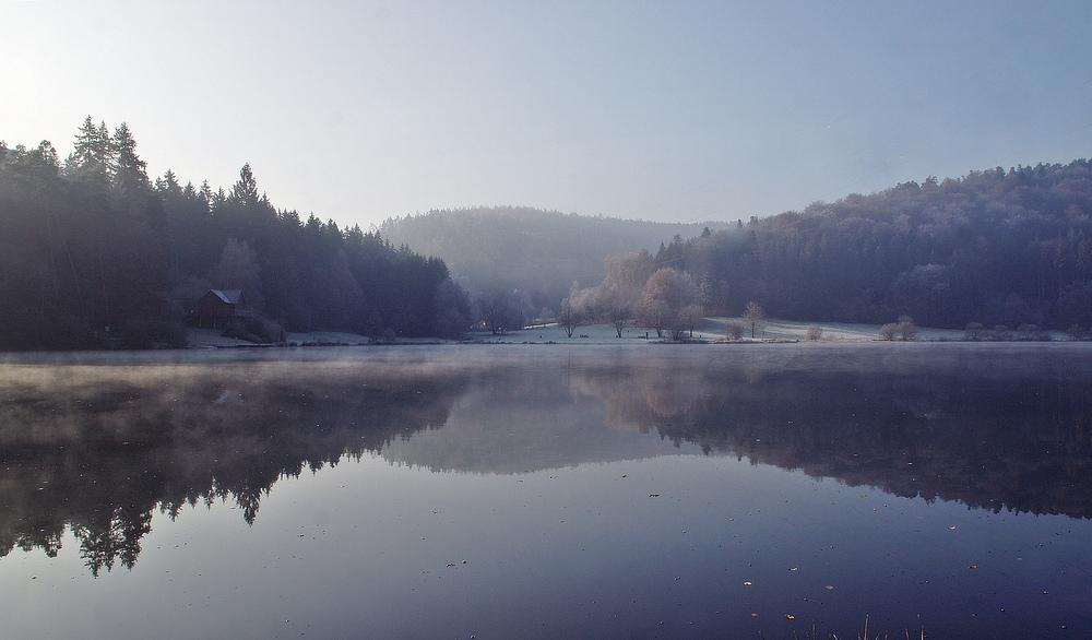 Nebel und Frost am See