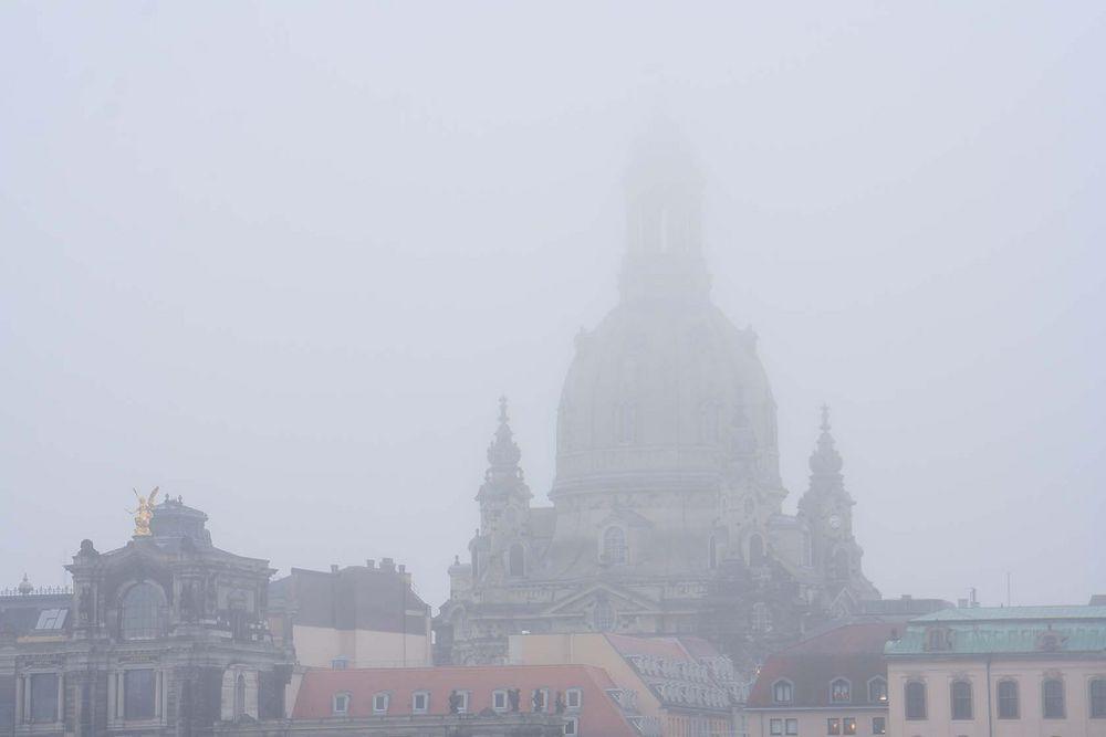 Nebeldresden mit Frauenkirche