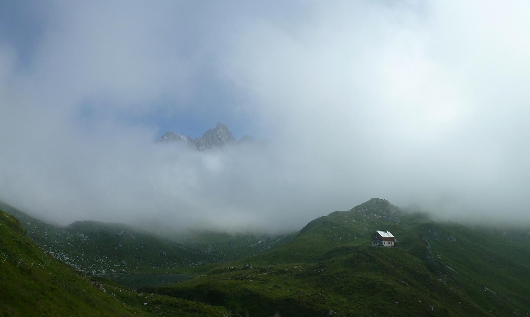Nebelfenster bei der Franz-Fischer-Hütte