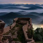 Nebelnacht auf der Burg