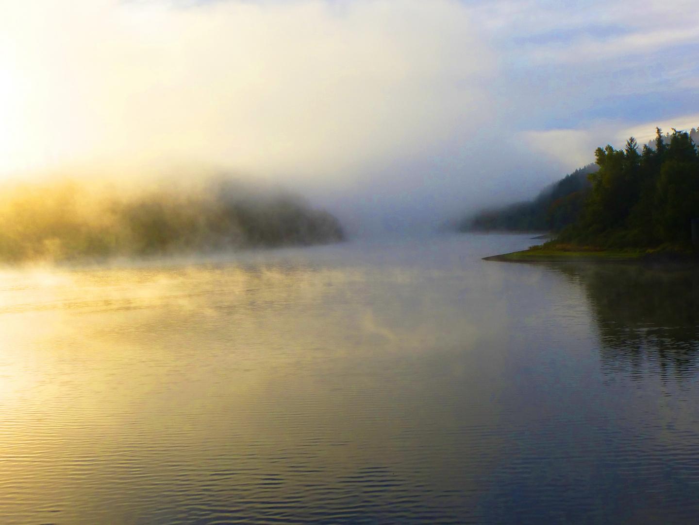 Nebelsonnenaufgang an der Versetalsperre